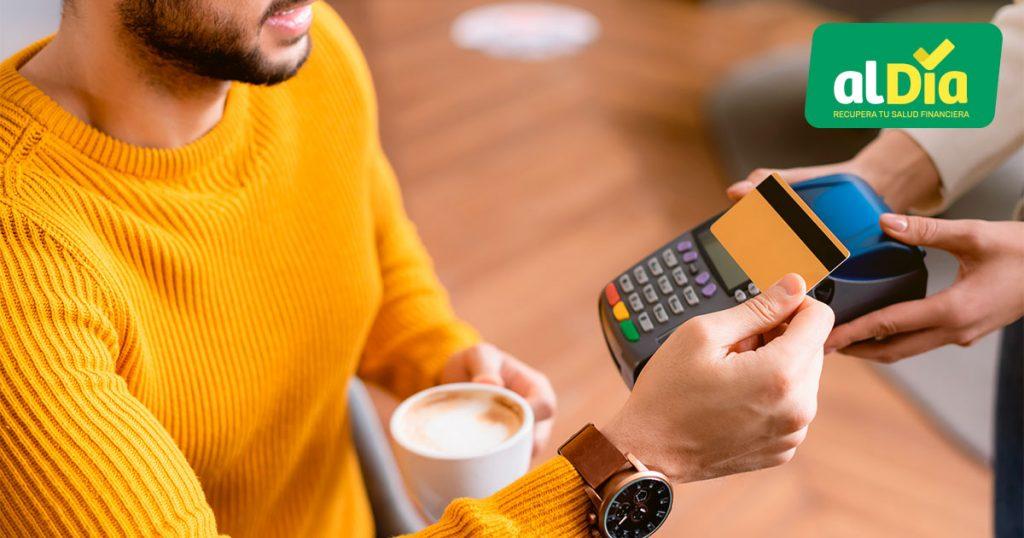 comprar a crédito o usar efectivo