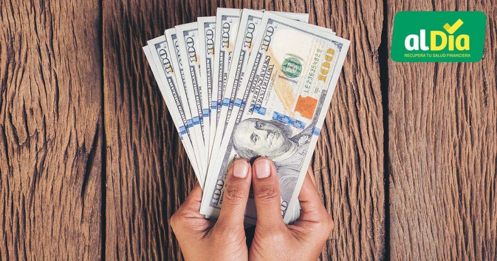 pagar las deudas en dólares